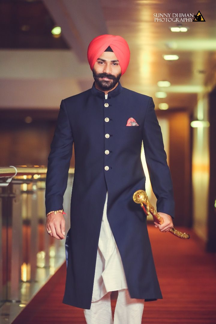 SIkh Wedding - Groom - Dashing - Royal - Wedding Photography - Wedding Sherwani     FunctionMania.com is your Function Planning Resource, FunctionMania features Best vendors, True stories, ideas and inspiration | photographers, decorators, Make-up artists, venues, Designers etc