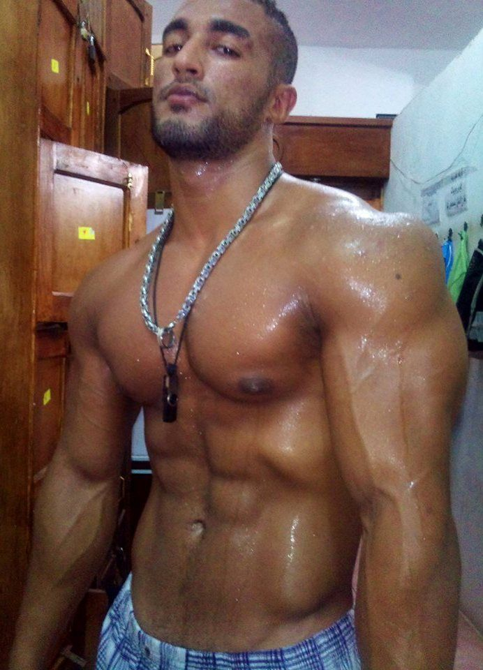 Naked sweaty men — pic 14