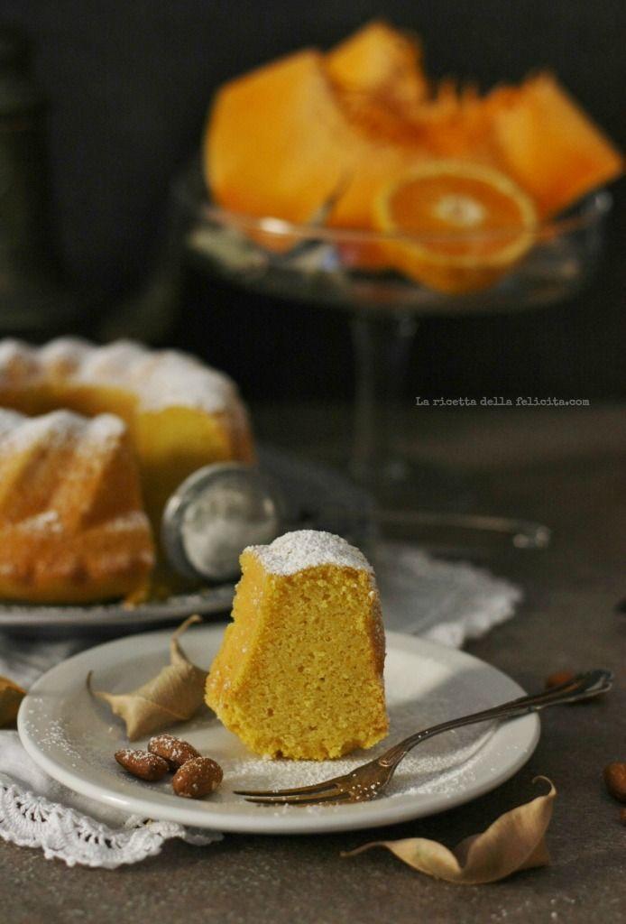Ciambella alla zucca al profumo di arancia e mandorle