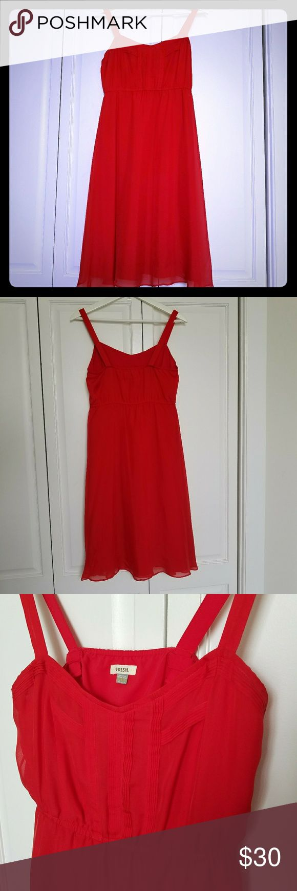 Fossil Womens Sun Dress A-line Chiffon Silk Sz S Fossil Womens Sun Dress A-line Chiffon Sheer Lined Red Silk Bodice Pleating Sz S  Condition:In Excellent Condition - Like new!   Size:Small   Measurements(Approximate)  Underarm to Underarm(Laying Flat):16 inches - Will stretch to 18 inches  Waist(Laying Flat):13.5 inches - Will stretch to 16.5 inches  Shoulder to Hem:40.75 inches from strap to bottom    Have any questions? Let me know.   B_03 Fossil Dresses Midi