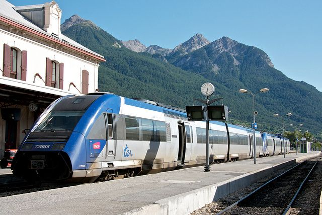 Train Travel in France : Travel Tips | France Things to Do