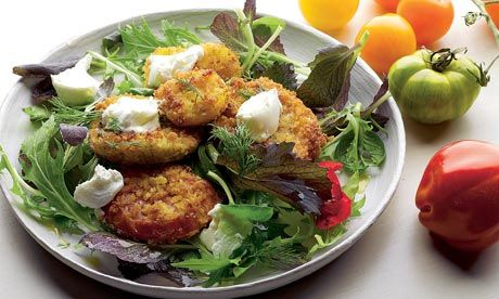 fried tomatoes + goat cheese + salad leaves = heaven