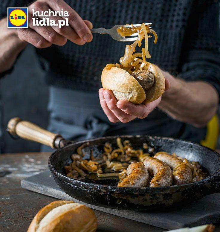 Domowe hot-dogi z białych kiełbasek. Kuchnia Lidla - Lidl Polska. #lidl #chrupiacezpieca