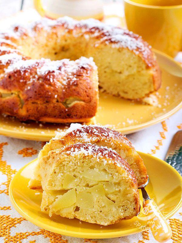 La Ciambella morbida di mele e yogurt è un dolce della tradizione rustica, che ricorda i ciambelloni della nonna, semplici e genuini!