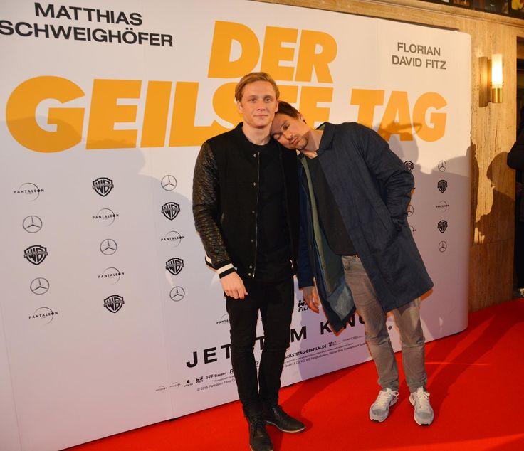 Immer für einen Spaß zu haben: Matthias Schweighöfer und Florian David Fitz - Kreischalarm in der Lichtburg Essen