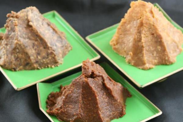 MISO: (味噌 miso 'fuente del sabor', de mi es 'sabor o condimento', y so 'fuente') El origen del miso es tan antiguo, hace miles de años que se consume en china y…