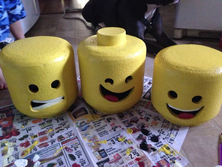 The painting of the Lego heads