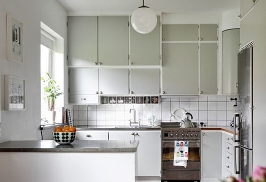Kök m överfalsade luckor