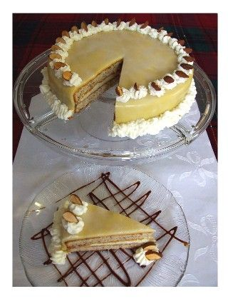 "German Hazelnut Torte Recipe. ""Haselnusstorte"" Ich liebe deutschen Kuchen sooo sehr - I love german cakes and pies!!"