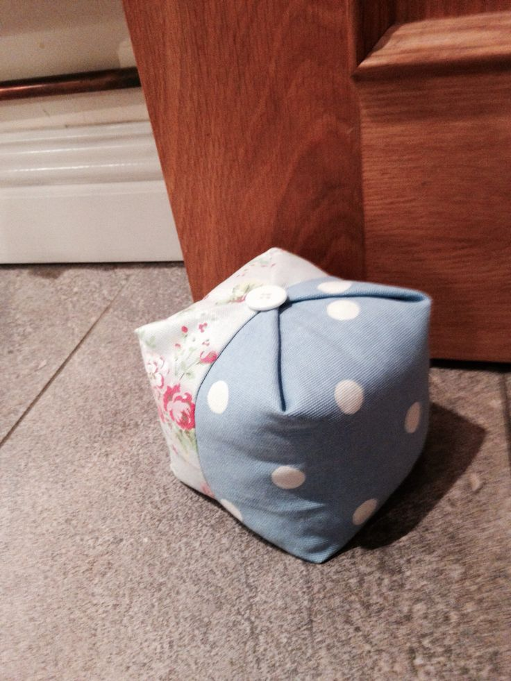 Cath Kidston handmade door stop. Follow link for pattern. Very simple to make. http://so-sue.blogspot.hu/2012/05/sewing-door-stoppers.html?m=1