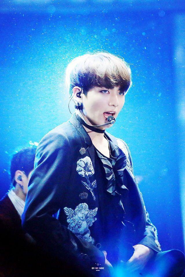 Jungkook © ByMySideKookV | Do not edit