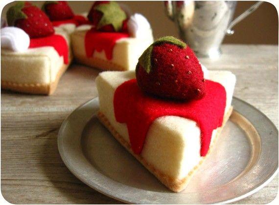 Erdbeer-Käse Kuchen Stück Filz Essen