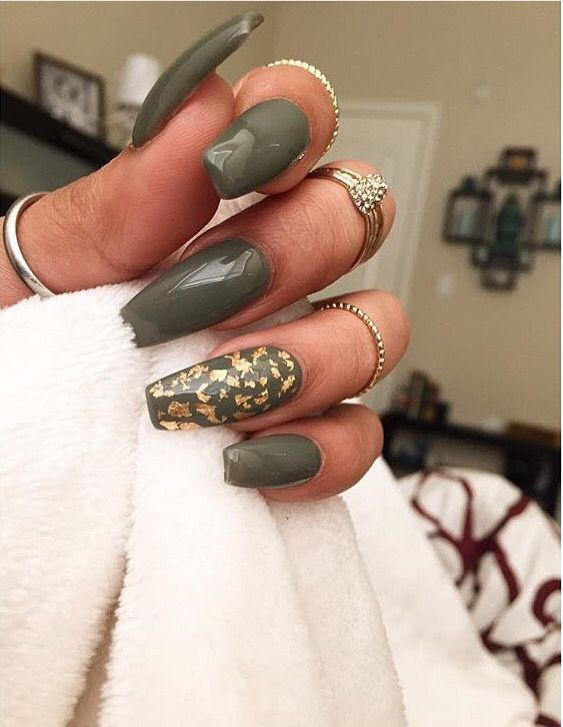 ABSOLUTELY WILL rock these for fall! Love the army green color and gold specs nail art accent!   ideas de unas   nail polish ideas   acrylic and gel nail ideas