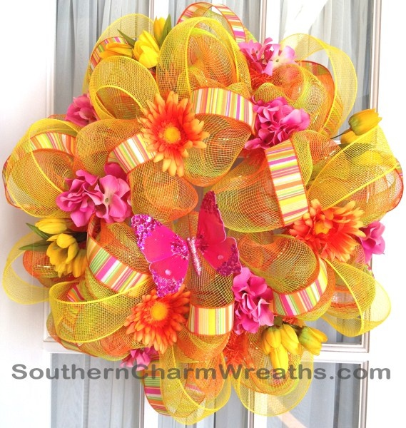 Summer deco mesh ribbon wreath! #decomesh #wreaths