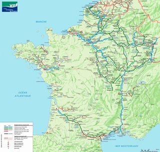 """Map of the waterways of France. Once Upon a French Canal… The Palinurus on the bridge-canal at Digoin The waterways of France are sensational,"""" says Richard Parsons. """"Nowhere else in the world are they so beautiful."""" Certainly no one else can speak with more authority about them than Parsons, the English enthusiast who is universally credited with launching the pleasure barging phenomenon in France. http://www.francetoday.com/travel/guides/barging_guide/images/waterways_map.th.jpg"""