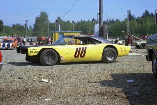 1722 best drivers images on pinterest nascar trucks for Dirt track race car paint schemes