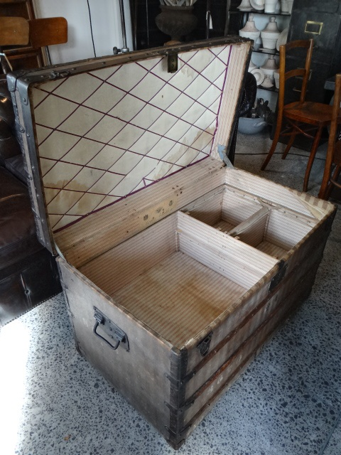 107 best wood treasure pirate chests trunks images on pinterest vintage trunks boxes and. Black Bedroom Furniture Sets. Home Design Ideas