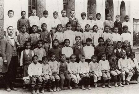 El profesor Ricaño y sus alumnos, Santa Rosa, 1907.: El Profesor, Profesor Ricaño