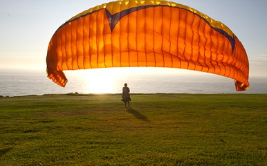 San Diego Personal Injury Lawyer | http://www.robertreeveslaw.com/locations/san-diego-county/san-diego-personal-injury-lawyer.html | Hang gliding at Torrey Pines State Park