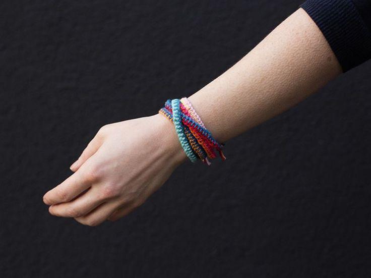 DIY-Anleitung: Freundschaftsbänder mit drei Farben häkeln via DaWanda.com auch mit anderem Material?