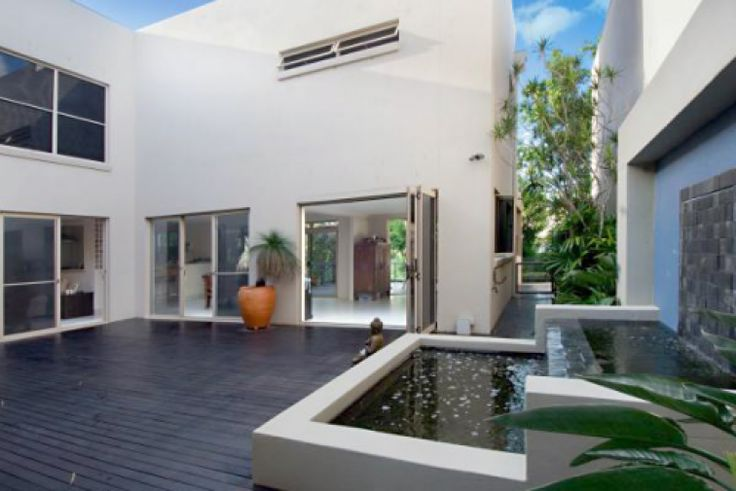 COMES WITH GOLF BUGGY!! Haha ACE :) Villa, Sunshine Coast, Exclusive Villa, Apartment, Luxury Holiday House