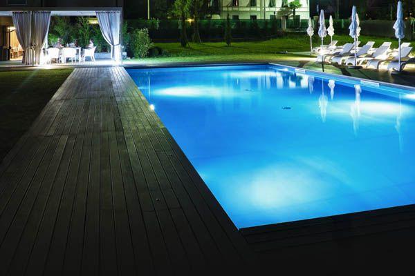La piscina all'ora di cena - Hotel Franz