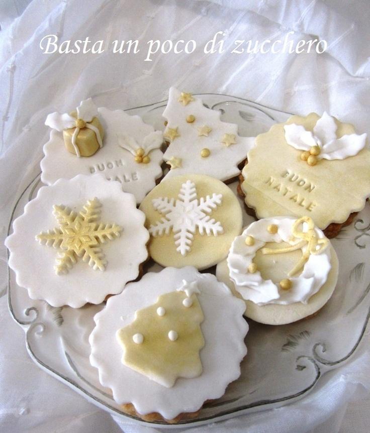 Biscotti di Natale https://www.facebook.com/pages/Basta-un-poco-di-zucchero/196077560477306