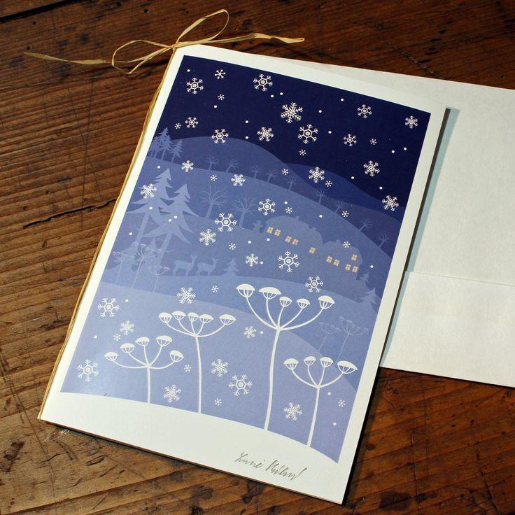 """Vánoční+přání+""""Modrá+zima""""+Vánoční+přání.+Autorská+ilustrace,+kvalitní+digitální+tisk+na+matném+křídovém+papíře+gramáže+250+g+/+m2,+ručně+podepsáno.+Velikost+přáníčka:+A6.+Včetně+obálky."""