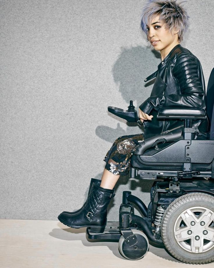 Nordstrom ads feature models with disabilities. This undated image provided by Nordstrom shows a model in a wheelchair advertising boots in the company's annual July anniversary catalog. Disabled People, Mannequins, Pretty People, Female Models, Women Models, Character Inspiration, Amazing Women, Fashion Models, Vestidos