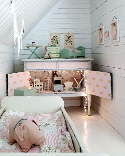 vintage girls roomCupboard doll house - genius!