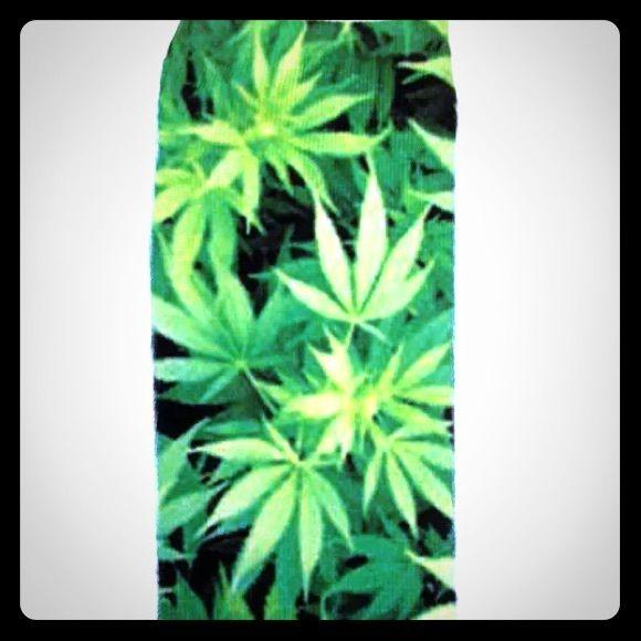✨BRAND NEW marijuana socks Weed pot ankle socks. Perfect gift for your stoner friend. Accessories Hosiery & Socks