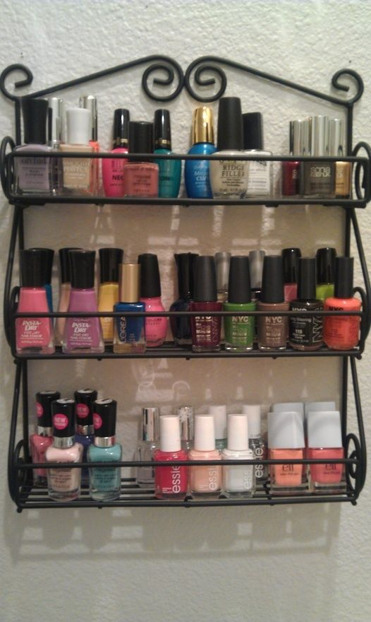 Spice rack for storing nail polishes