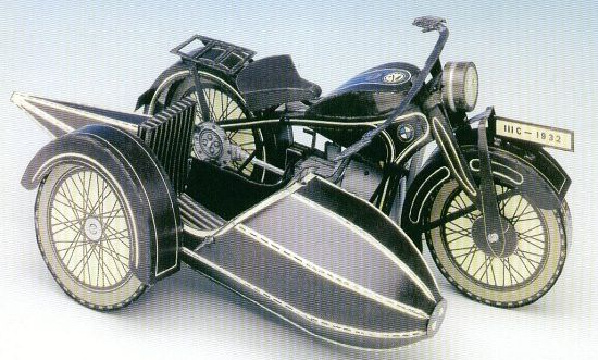 A 1929 BMW R16, 750cc ohv the top of the BMW range in the Vintage era, with a pressed-steel 'Star' frame and leaf-sprung forks, three-speed gearbox with hand shift and a rear brake which squeezes the drive shaft!  Requires 9 sheets of paper and comes with instruction guide.