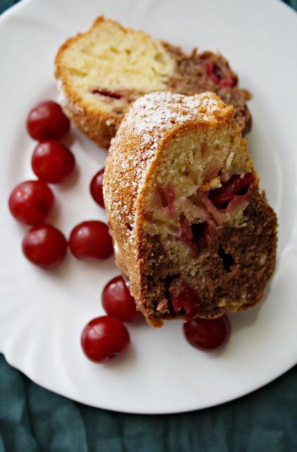 Fahéjas Pâté: Meggyes-joghurtos kuglóf