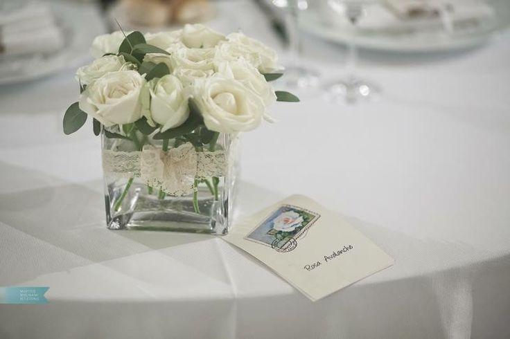 Cetrotavola rose bianche ispirazione matrimonio ecologico Bianco