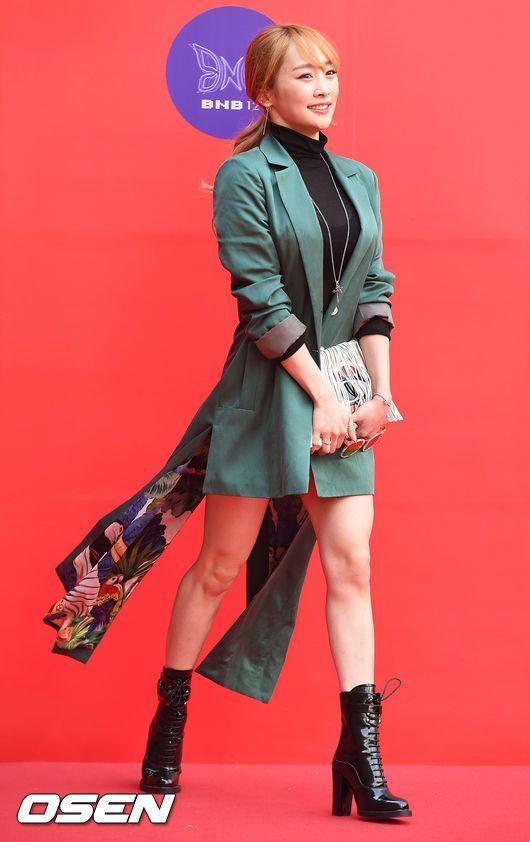 Nicole Jung - 2016 Fashion Week Seoul