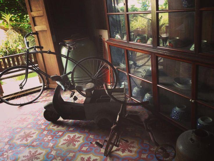 .....จดราน. #กาแฟบานป.#decor #decoration #furniture #retro #classic #coffee #cool #cafe #cafeine #ApostropheLove by lucky965