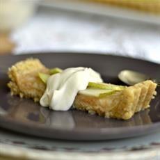Raw Pear Tart with Vanilla Cream
