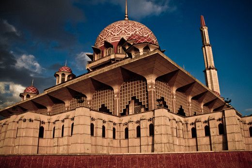 The Most Beautiful Mosque: The Putra Mosque in Putrajaya, Malaysia