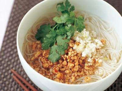 ピリ辛鶏そぼろの汁ビーフンレシピ 講師は平山 由香さん|使える料理レシピ集 みんなのきょうの料理 NHKエデュケーショナル