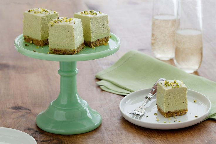 Indulge in these delicious, creamy avocado cheesecake squares made with fresh…