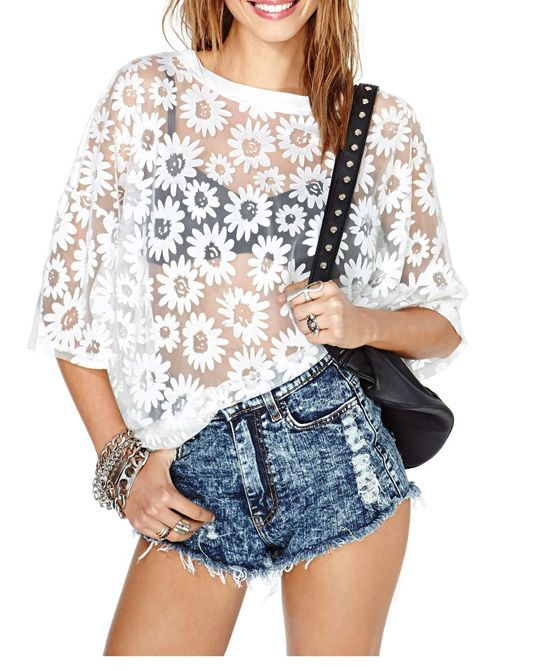 Daisy Print Round Neckline Loose Fit Chiffon Blouse. $27.75