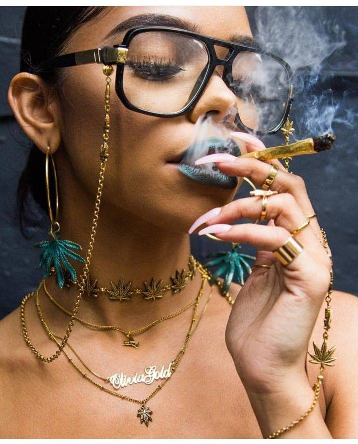muslam-thin-girls-smoking-weed-alexa