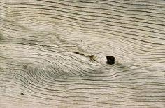 Como dar à madeira uma aparência branca desgastada   eHow Brasil