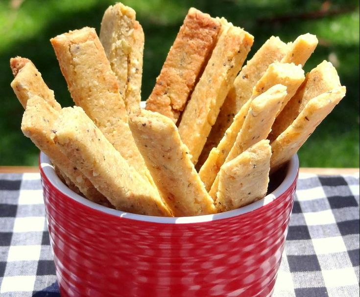 Recipe Gluten Free Cheese and Herb Snack Sticks (Lunchbox) by ChantelTHL - Recipe of category Baking - savoury