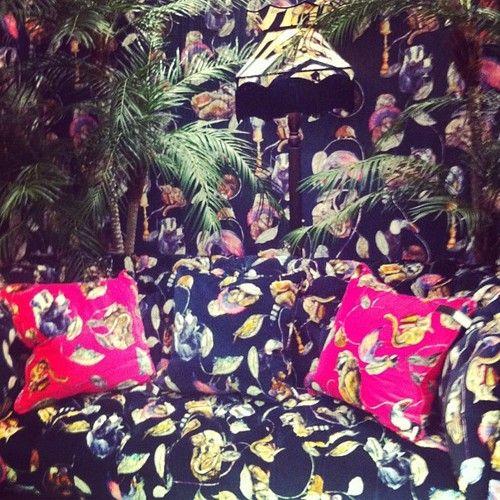 Another spot the sofa… #houseofhackney #wallpaper #textiles #surfacepattern #surfacedesign #pattern #london #londondesignweek
