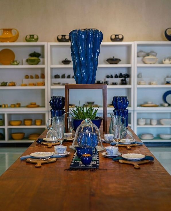 Jenggala Keramik is a ceramic warehouse where clay is given the utmost respect and treatment in order to create beautiful tableware and homeware pieces. They also offer a variety of condiments to compliment every lifestyle's needs—whether its cutlery, chopsticks, table linens or other items, you'll find the most stunning and original pieces.  www.camakilabali.com  #camakila #thecamakila #camakilabali #legian #bali