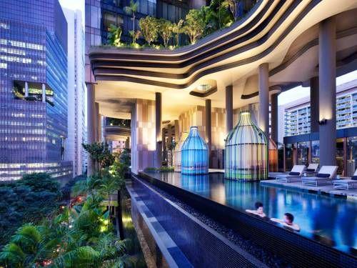 PARKROYAL on Pickering - Situé à côté de la station de métro Chinatown, le PARKROYAL on Pickering présente un étage spécial bien-être pourvu d'une piscine extérieure, d'une salle de sport et d'un jardin promenade de 300 mètres de long, surplombant la rue. Adresse PARKROYAL on Pickering: 3 Upper Pickering Street  58289 Singapore