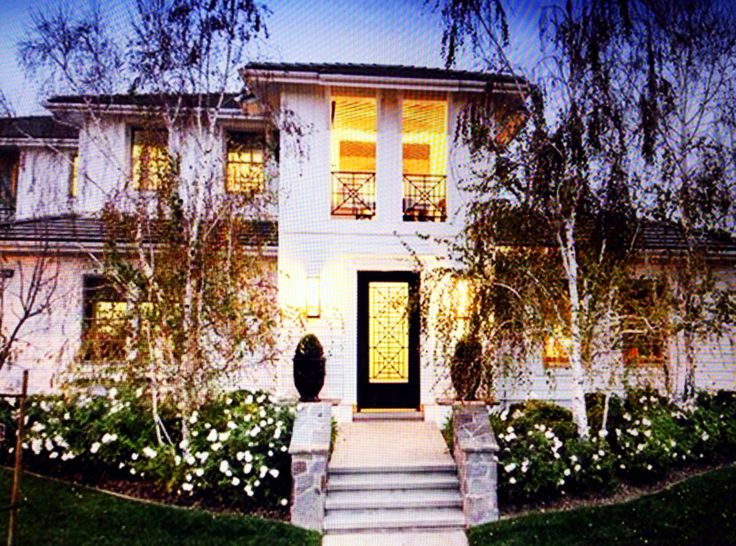Kourtney Kardashians House In Calabasas Home Pinterest House Interiors And Doors