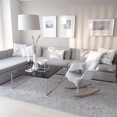 Afbeelding via We Heart It https://weheartit.com/entry/119268739/via/9502702 #home #interior #livingroom #simple #sofa #white #littlepinkdiary